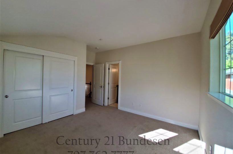 60 Malet Street bedroom